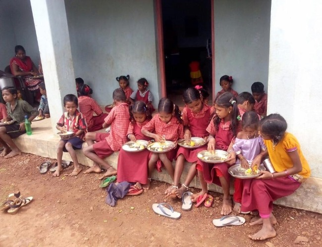 Mid-day meals at the Rolugunta school