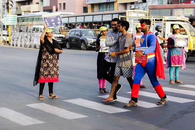 Innovative way to Educate People on road rules is amazing