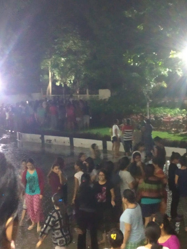 Female Student Sexually Harassed inside elevator in SRM UNIVERSITY - Students burst into Angry Protests