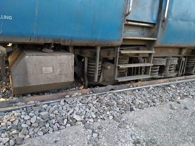 Passenger train derails in Bidar district, one injured