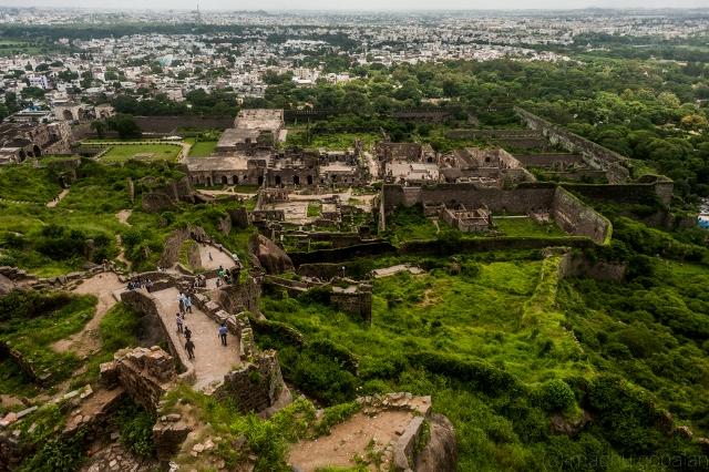 golkonda fort essay Q3) consider the following statements charminar was built by sultan  muhammad quli qutb shah golkonda fort was first built by sultan quli.