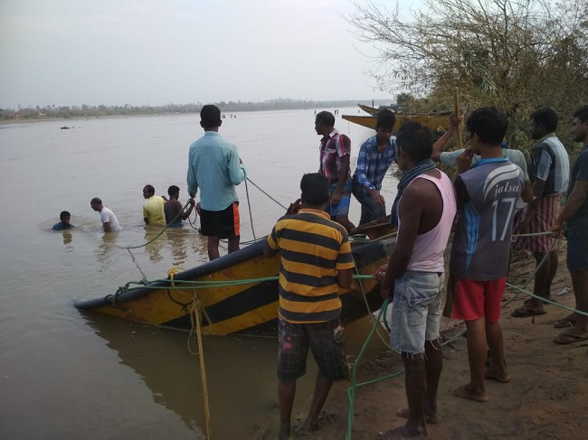 Cyclone Titli aftermath: A month on, Andhra fishing