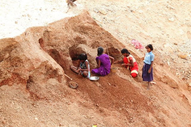 How India's mica 'ghost' mines have resulted in the deaths