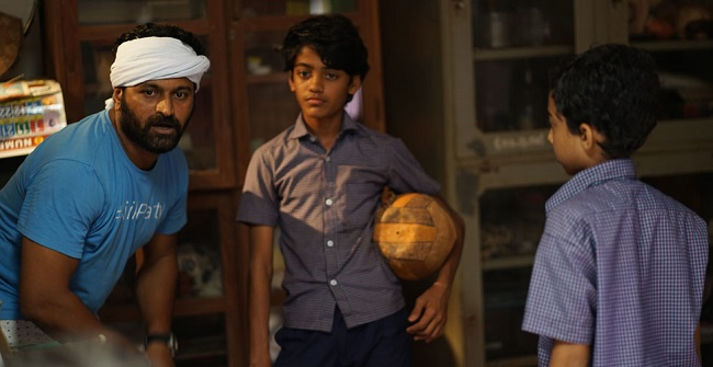 Shutting down of Kannada schools is a serious subject: Director