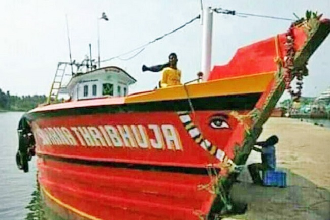 25 days and counting: Families of 7 Udupi fishermen live in hope of finding them
