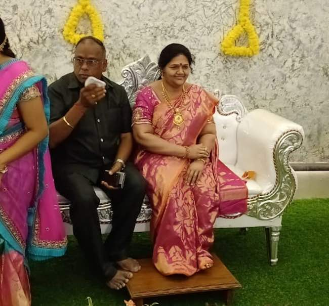 Karnataka man installs wife's statue at home; pictures go viral