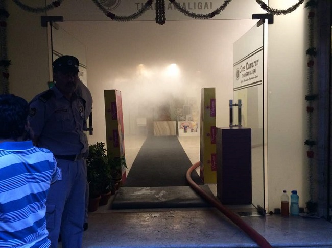 Fire breaks out in Chennai textile showroom