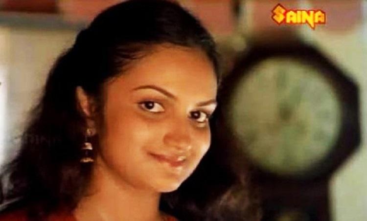 monisha unni tamil songs