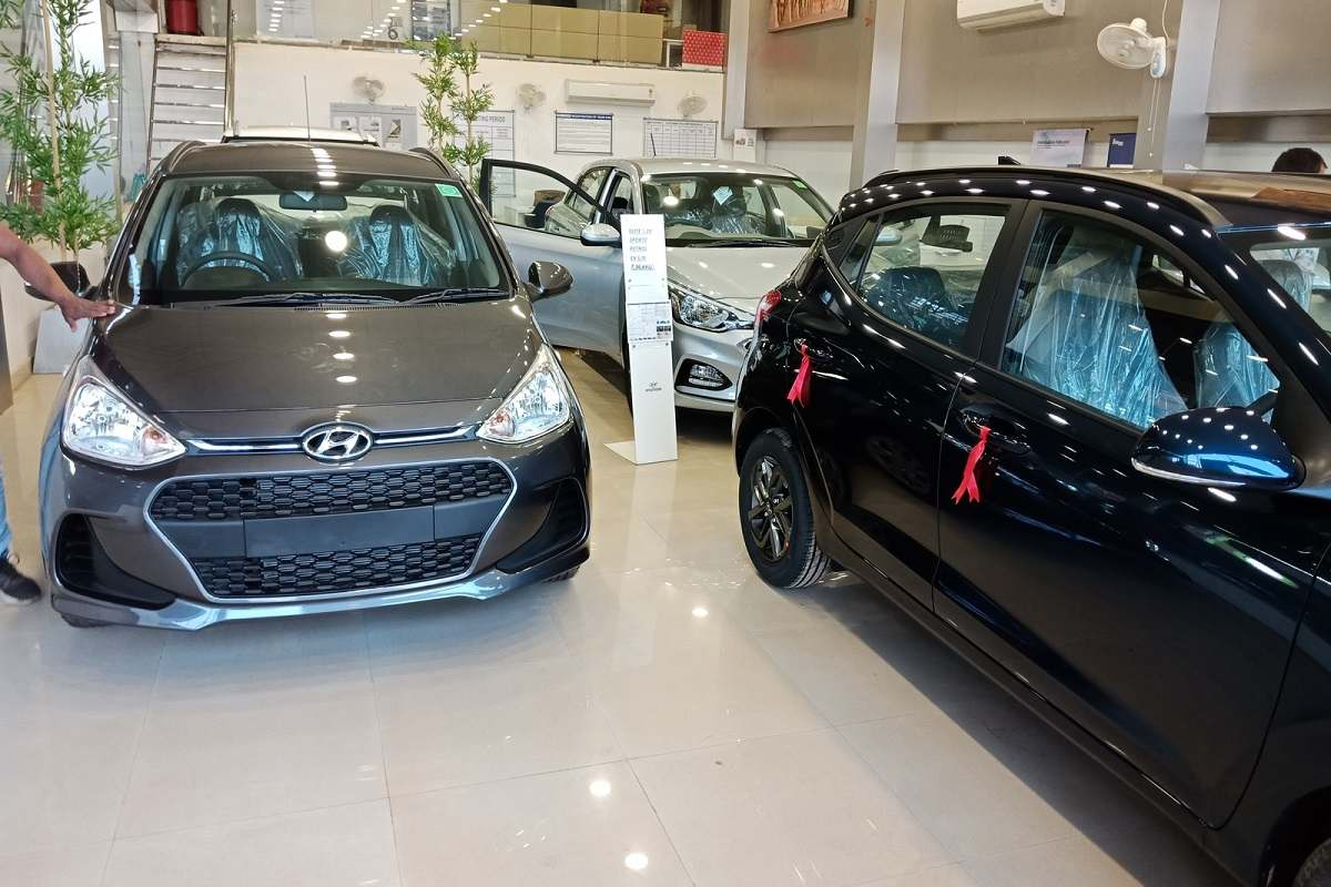 Car sales slipped to 10-year-low in April-December 2020