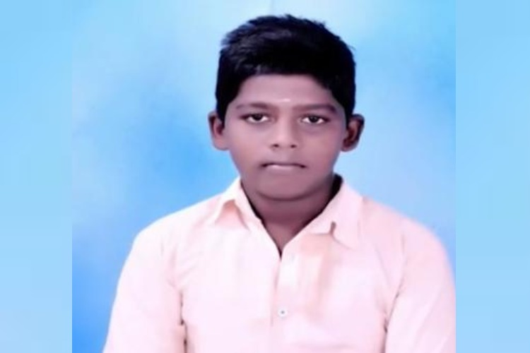 13-yr-old in TN dies after live wire on ad hoarding electrocutes him