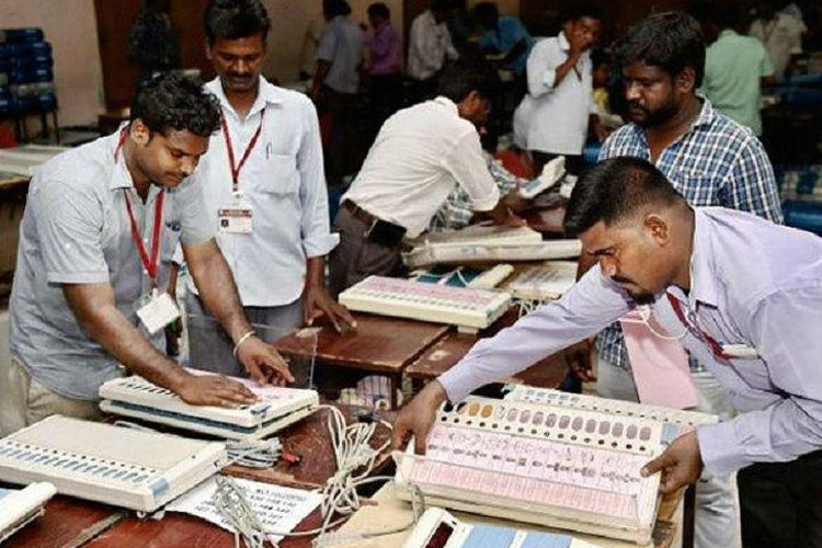 Faulty EVMs force several voters to return without polling in Chennai