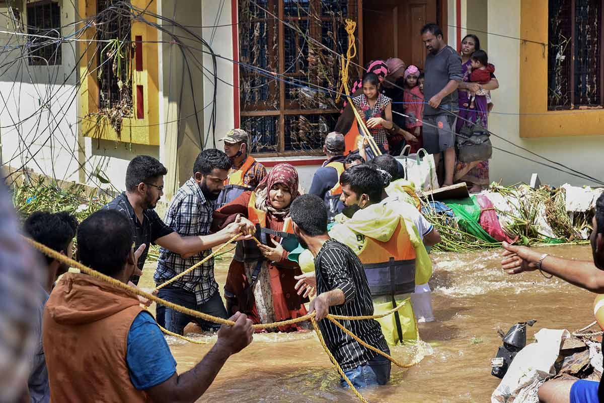 Telangana to provide Rs 10000 financial aid to those affected by floods in Hyderabad