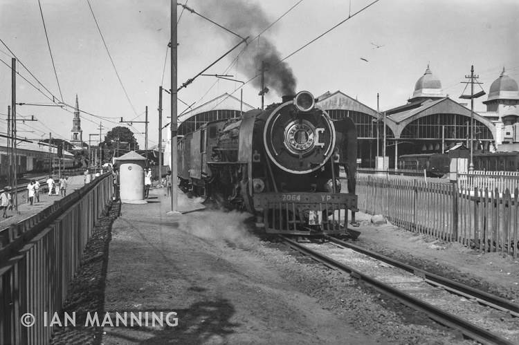 How an Australian's photos of old Indian trains found their way to Chennai Central