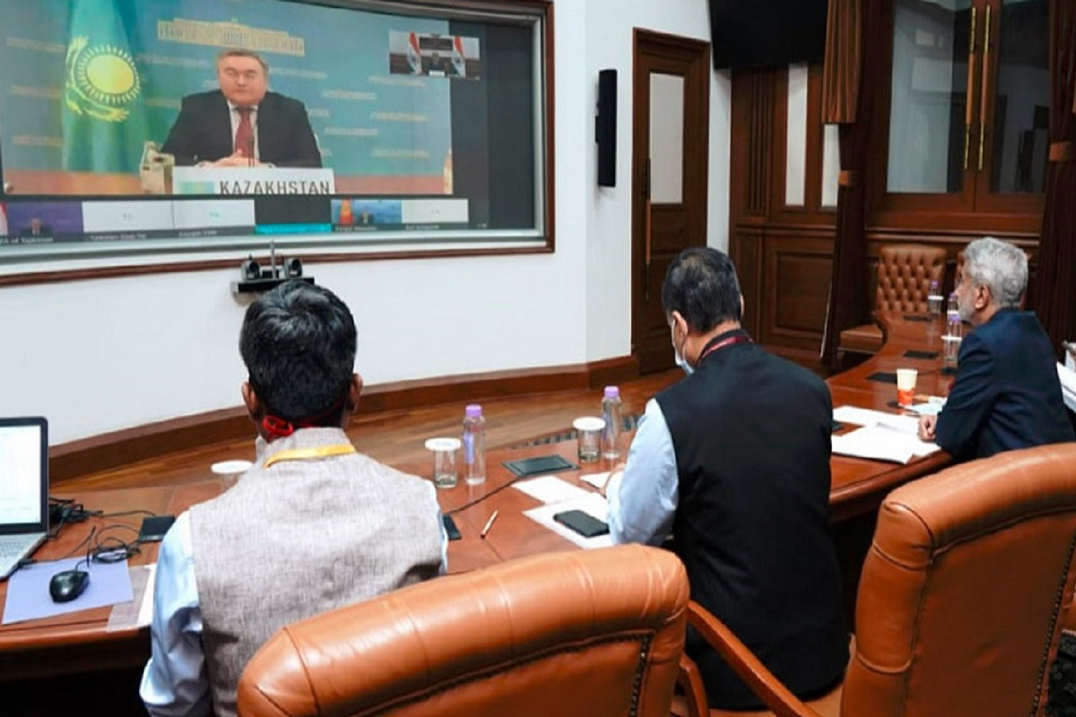 India extends $1 billion for developmental projects in central Asia
