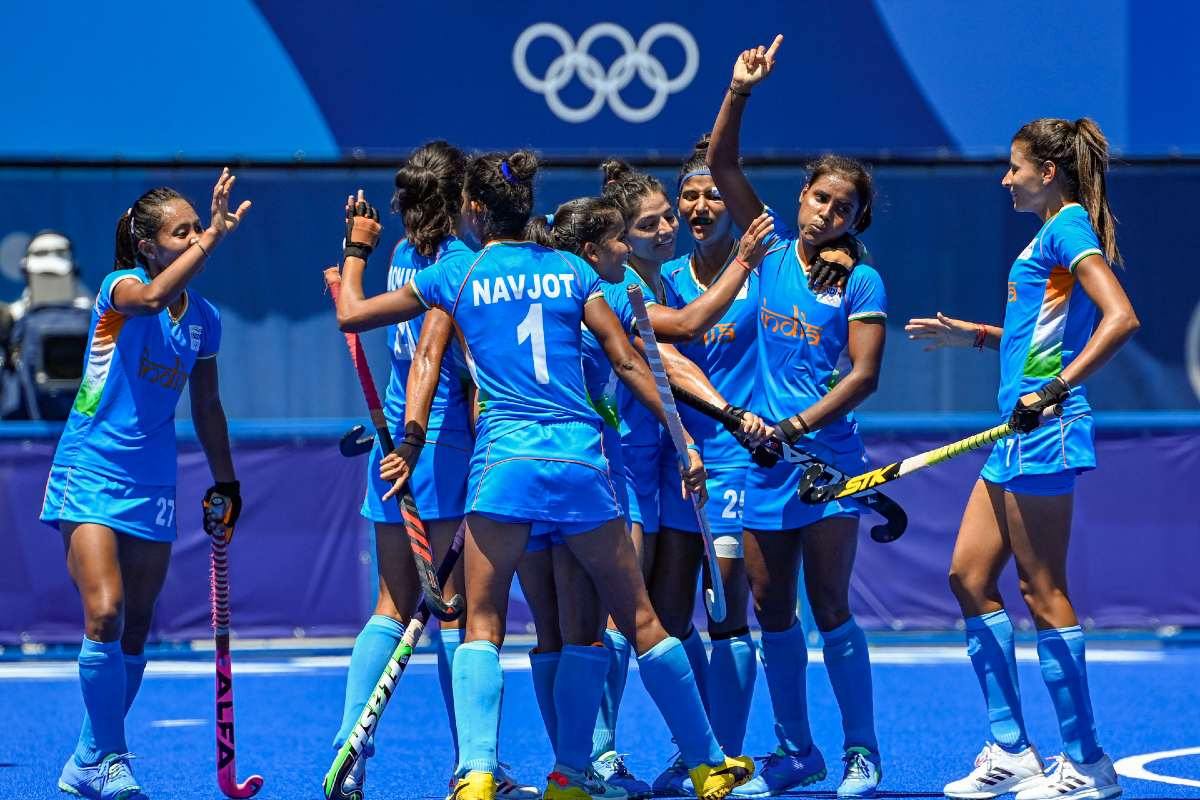 Indian women's hockey team signs off 4th at Olympics after narrow loss |  The News Minute