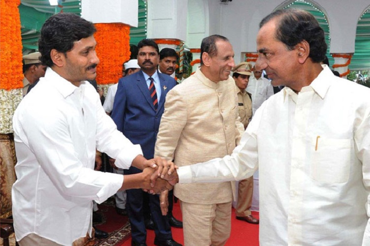 How KCR and Jagan govts' failure to coordinate is hurting migrants in both states