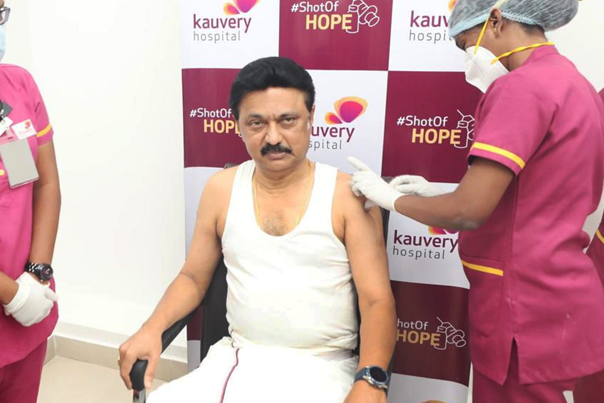 MK Stalin and Thol Thirumavalavan receive COVID-19 vaccine in Chennai | The  News Minute