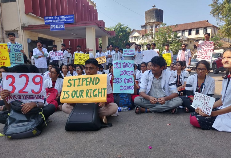 Not paid for 11 months, Karnataka medical interns and PG students go on protest