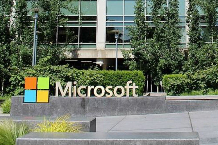 Microsoft working on combining Mixed Reality with smartphones: Report