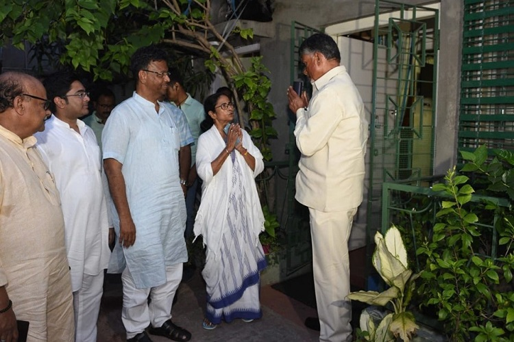 Ahead of opposition meet in Delhi, Mamata and Naidu discuss post-poll strategies