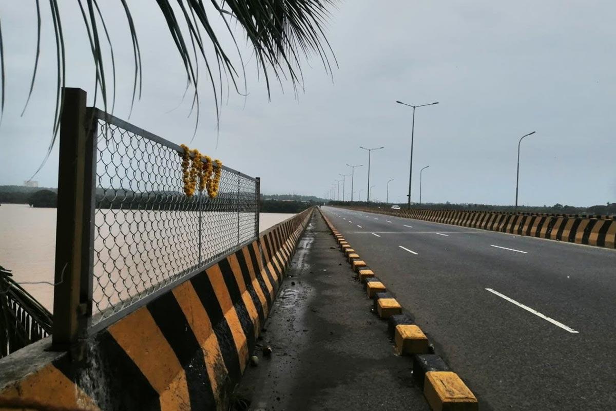 A year after VG Siddharthas death officials begin construction of fence on Netravati Bridge