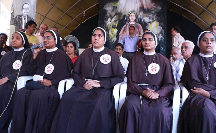 Nuns protest TNM 0.