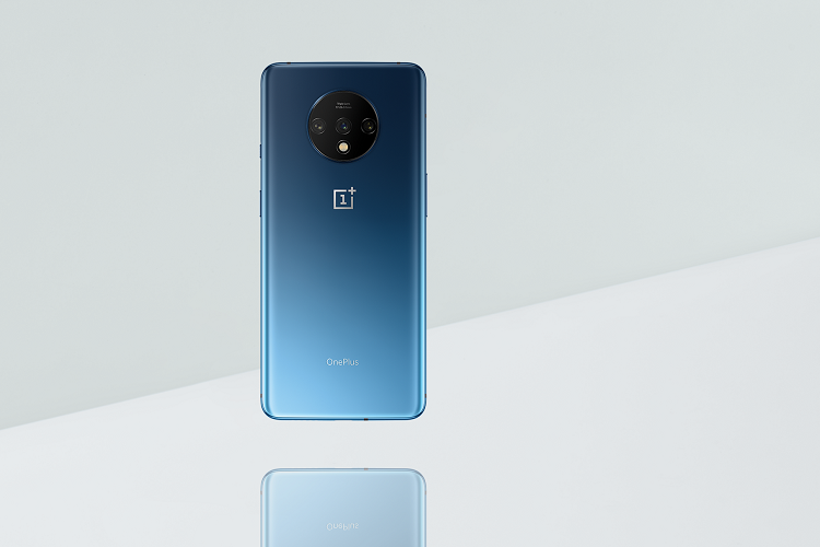 OnePlus unveils first look of upcoming OnePlus 7T with circular triple camera design