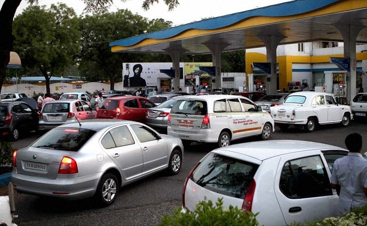Government Steps In: Petrol Bunks to Accept Cards