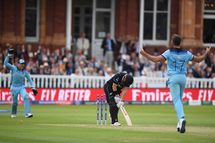 New Zealand set target of 242 for England in World Cup final