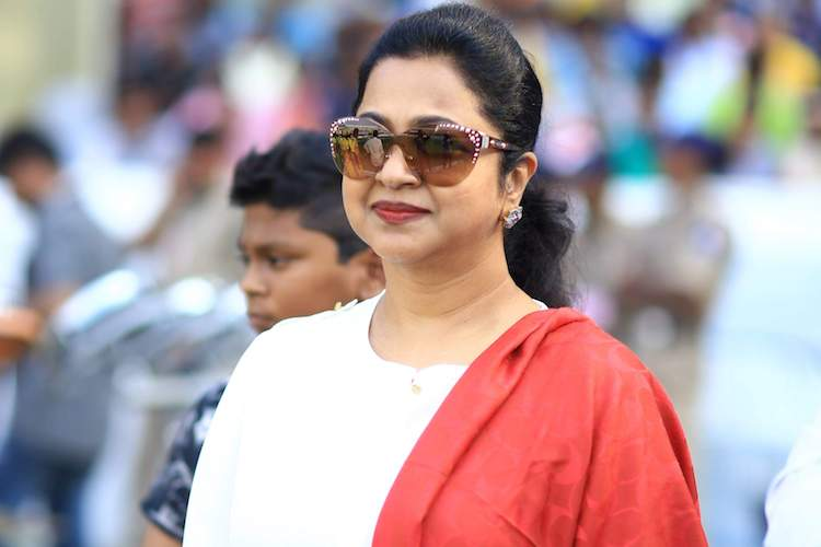 Radikaa to host Tamil version of 'Kaun Banega Crorepati'