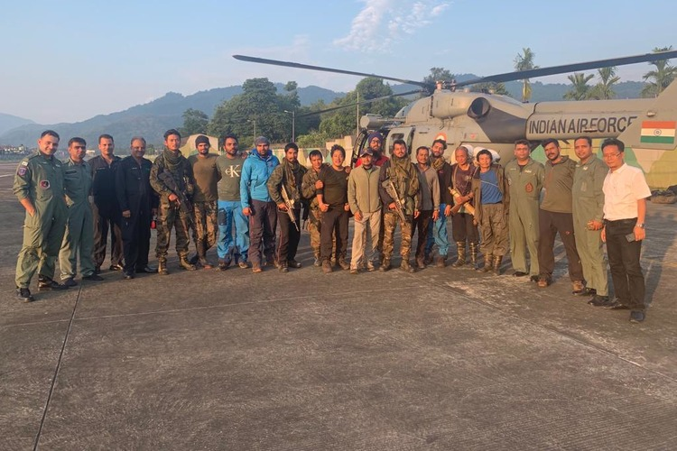 After 18 days, IAF retrieves stranded rescue team from AN-32 crash site