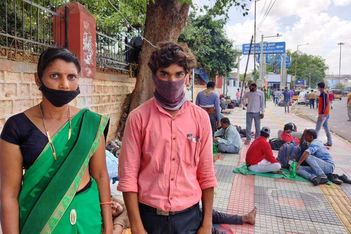 No money and no train: Migrant workers forced to camp outside Secunderabad station
