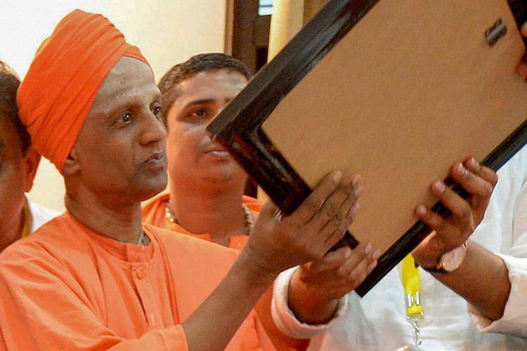 Siddalinga Swamy, junior seer, set to take over Siddaganga Mutt