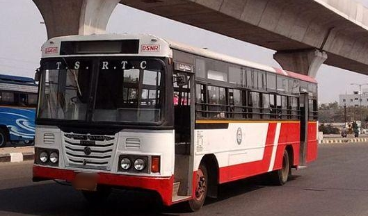TSRTC strike: Telangana HC directs state govt to hold talks with unions on Saturday