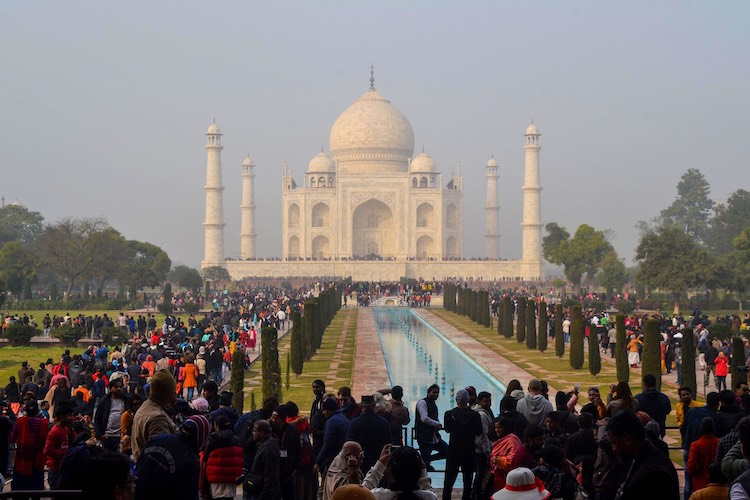Govt to fund travel of citizens who visit 15 Indian tourist spots in a year