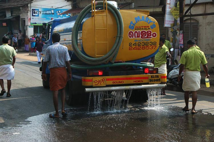 'Kochi will face water crisis if more supply points not set up': Tanker lorry associations