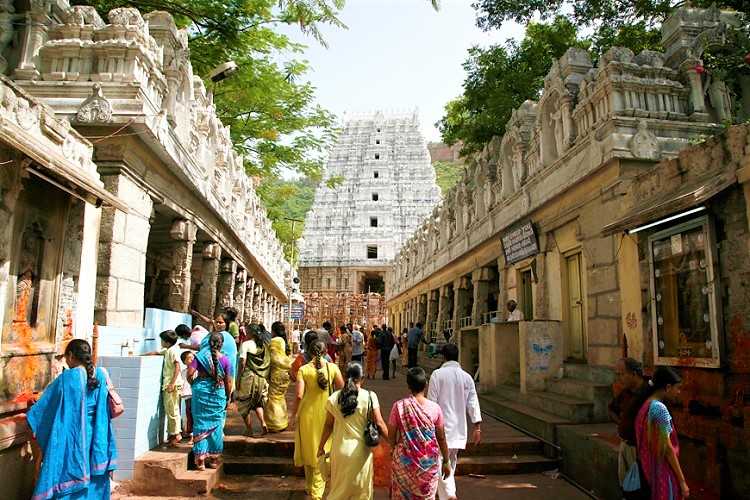 Man takes life in Tirumala, temple authorities suspect it was based on superstition