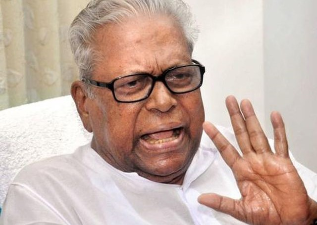 Blacklist builders of Maradu flats, take legal action, urges CPI(M)'s VS Achuthanandan
