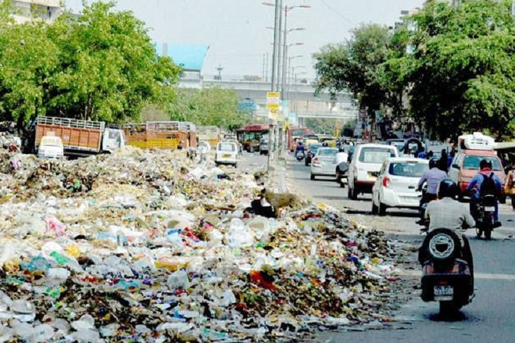 Bengaluru's garbage mess persists as civic body delays awarding waste collection tenders