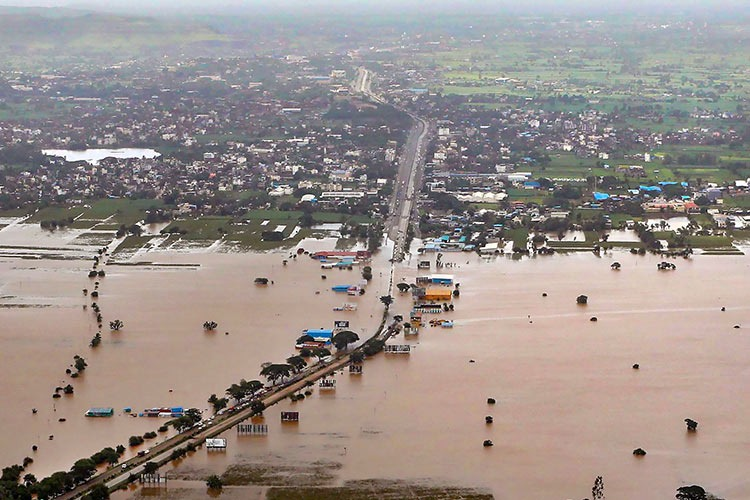 Karnataka govt announces Rs 5 lakh compensation each to flood-hit families - The News Minute