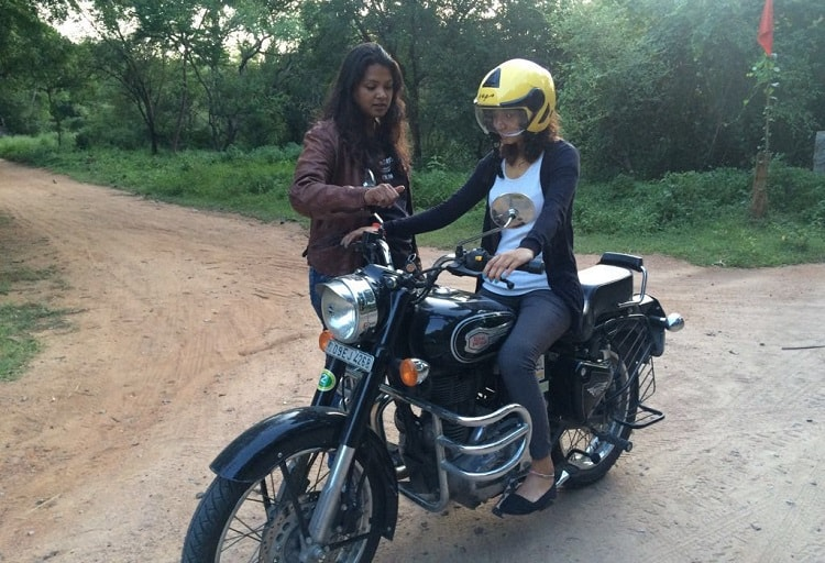 how to ride a motorbike with gears