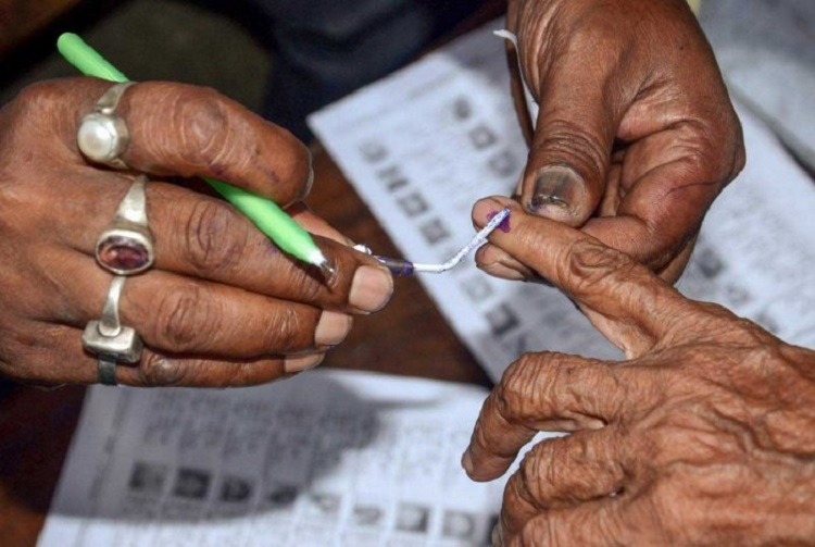 Name deleted from voter list? Sign this form created by Bengaluru duo to petition EC