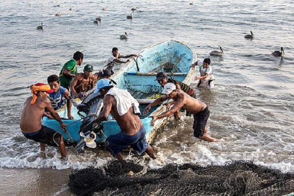 Шри-Ланка готова пустить 250 траулеров в свои воды