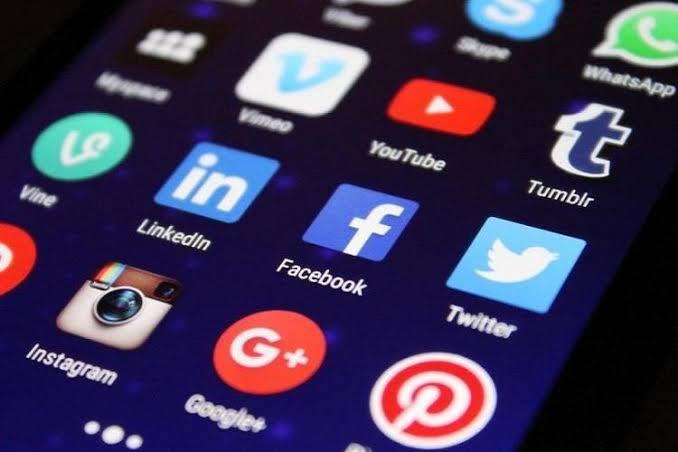 SC tells union govt to frame guidelines for prevention of social media misuse - The News Minute thumbnail