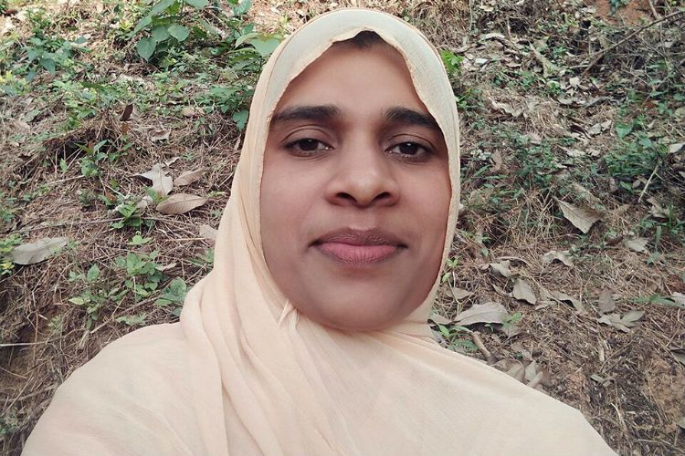 Kerala woman Imam leads Friday prayers for the first time ...
