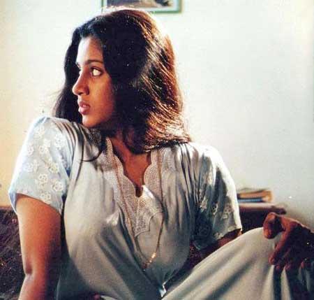 Kerala S Showstopper Women In Nighties The News Minute