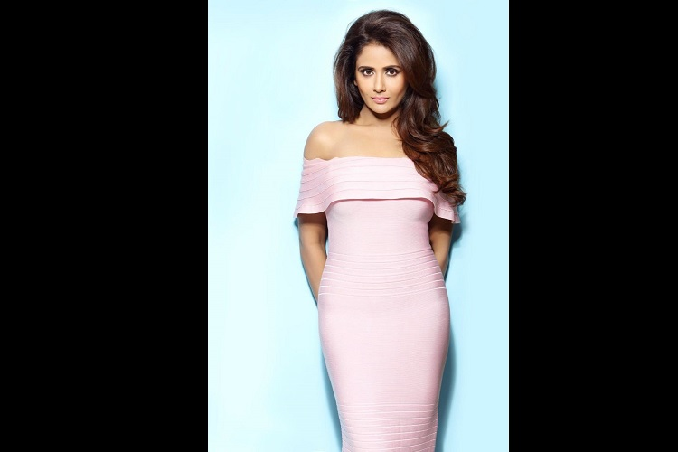 Actress Parul Yadav Attacked By Street Dogs in Mumbai, Got Hospitalized