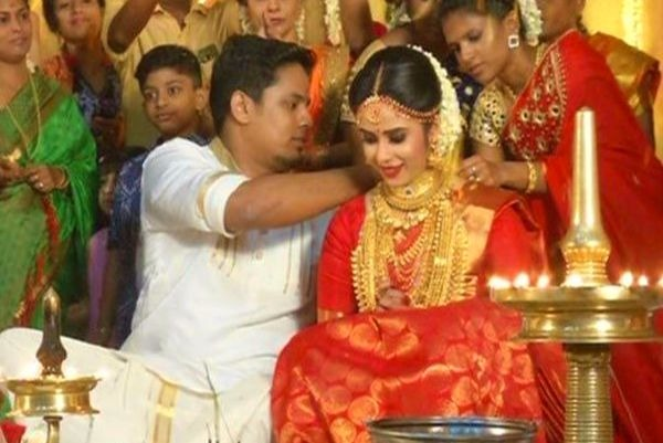 Malayalam Actor Parvathy Ratheesh Gets Married The News Minute
