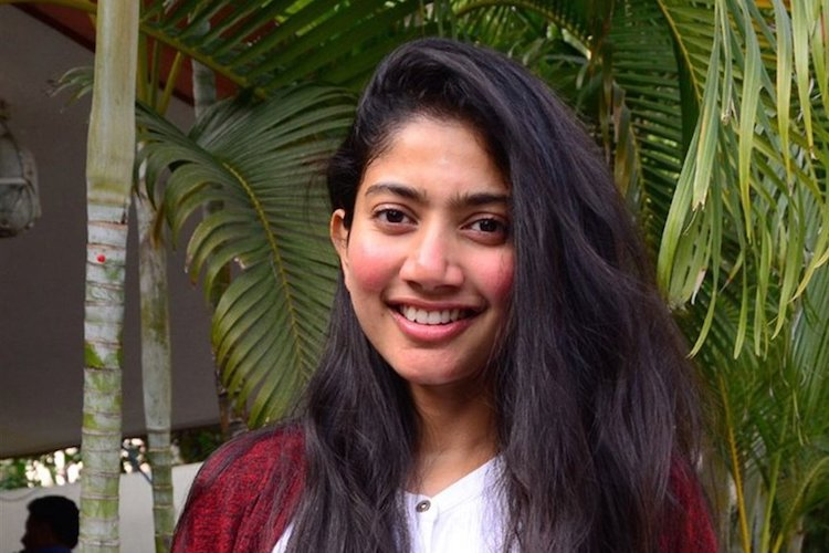 Sai Pallavi's leaked video clip from 'Virata Parvam: 1992' shoot goes viral
