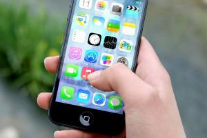 Apple to fix bug in Facetime that allows users to eavesdrop